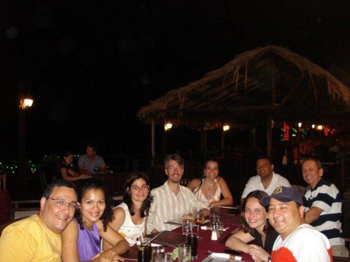Galera do mergulho em um dos nosso jantares no centro